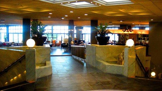 Reiters Supremehotel: Eingangbereich, von der Rezeption zur Bar