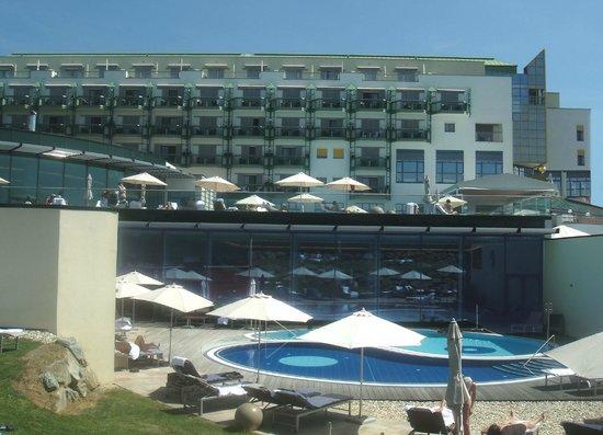 Reiters Reserve Supreme: Blick auf den Ying-Yang Spa und das Hotel