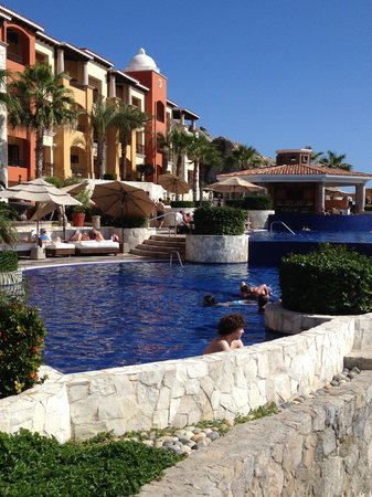 Hacienda Encantada Resort & Spa: ocean to my right, looking up at the lower building
