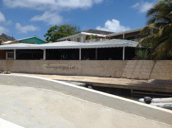 Bougainvilla Hotel: The fron of the hotel