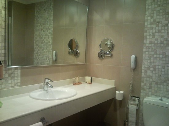 Anatolia Hotel: Bathroom