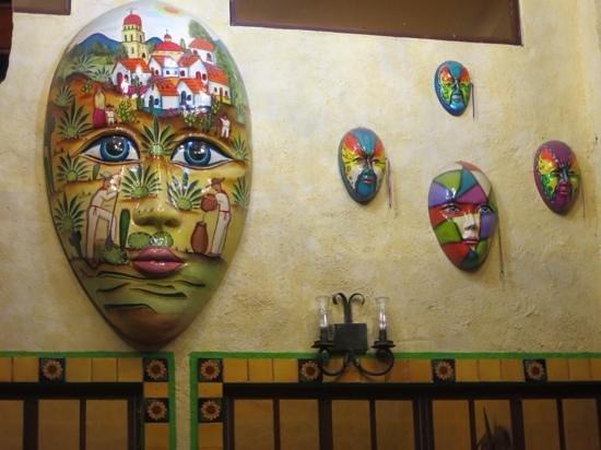 La Hacienda: restaurant décor