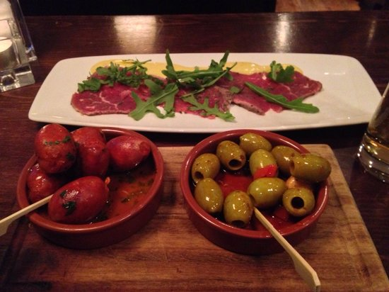 The Living Room   Leeds: Meat And Olives. Is There Any Better Combination? Part 51
