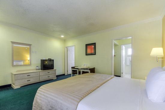 Americas Best Value Inn & Suites: Mini Suite