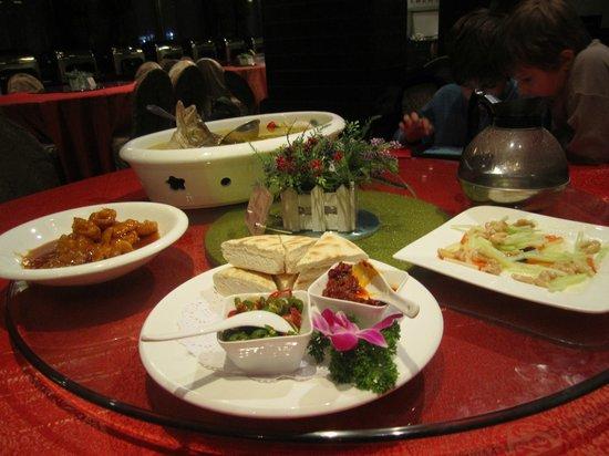 Tang Dynasty Art Garden Hotel: Restaurant - good Chinese food (but not cheap)