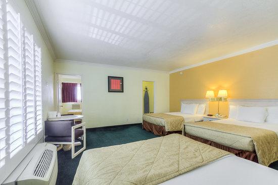 Americas Best Value Inn & Suites: Four Bed Suite