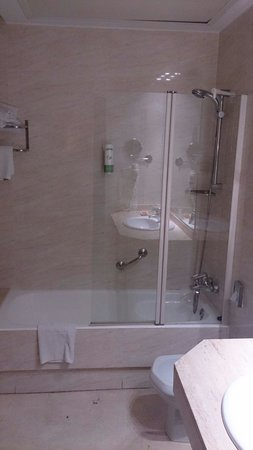 Hotel Inglaterra: Baño