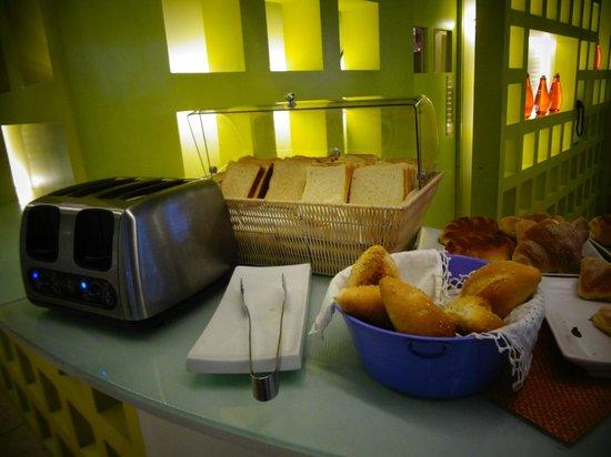 Room Mate Valentina: desayunador