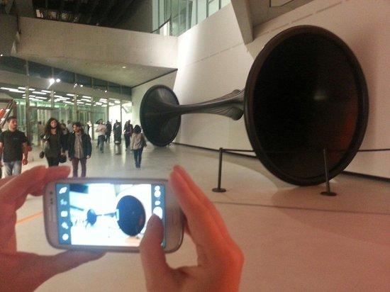MAXXI - Museo Nazionale delle Arti del XXI Secolo : Horn!