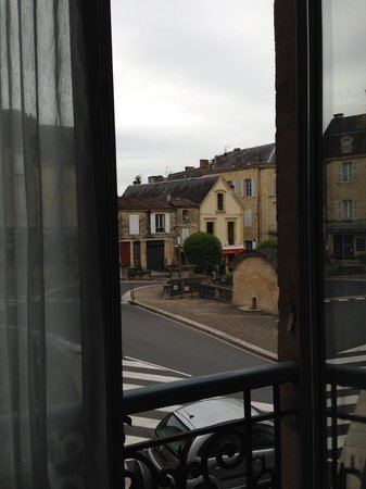 Les Cordeliers Bed and Breakfast : View from Room onto a square in Sarlat
