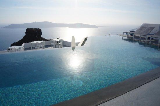 Grace Santorini Hotel : Beautiful Infinity pool