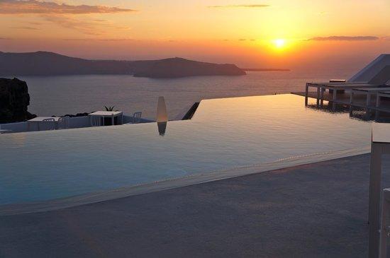 Grace Santorini Hotel : Breathtaking sunset