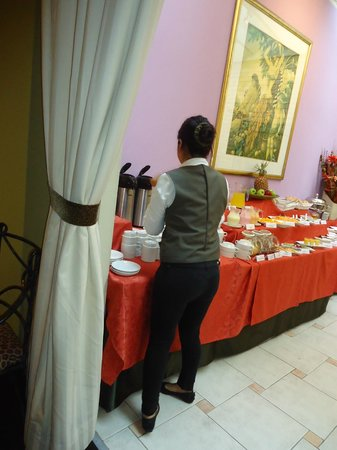 Leon de Oro Inn & Suites: Muy buen desayuno