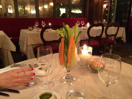Taverna La Fenice : Bonita decoración