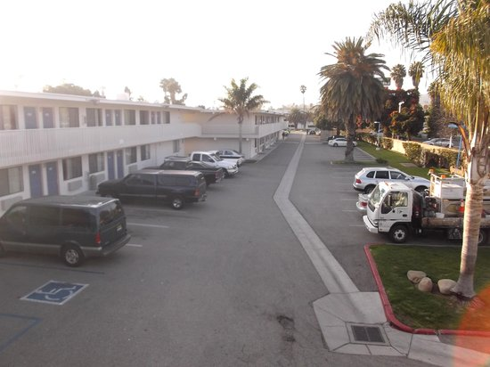 Motel 6 Ventura Beach: Picture april 16th 2014.