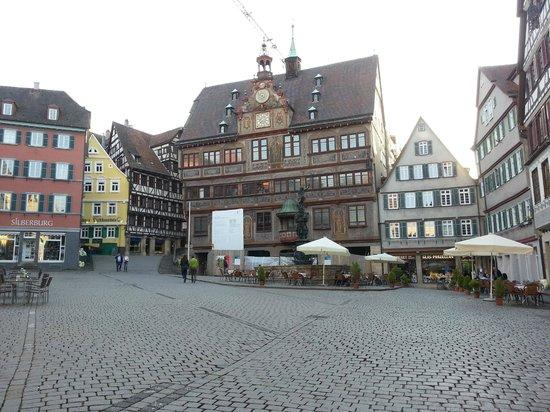 Market Square (Marktplatz): Nice old buildings, small cafes