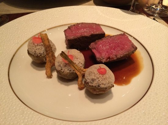 Le Royal Monceau-Raffles Paris : Beef and mushroom entree at Le Cuisine
