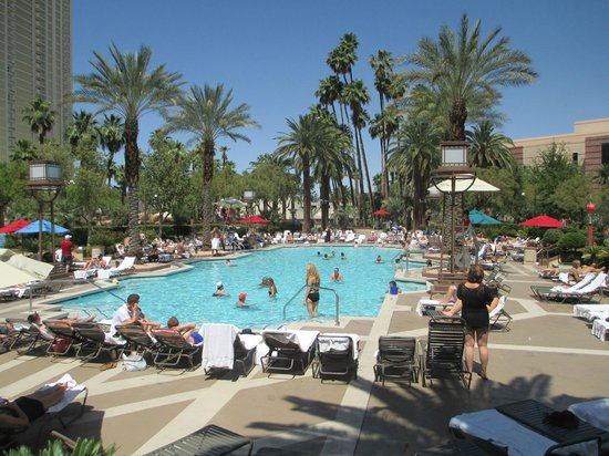 MGM Grand Hotel and Casino: MGM Grand Pool