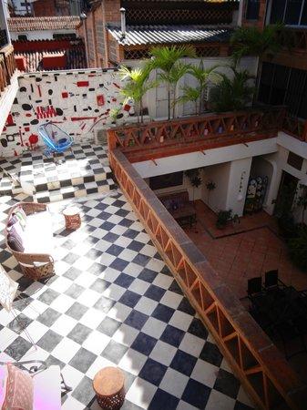 Catedral Vallarta Boutique Hotel: estar del segundo piso