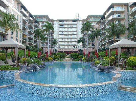 Honua Kai Resort & Spa : View of Hokulani Tower(s) & Pool