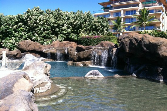 Honua Kai Resort & Spa: One of the pools with waterfall
