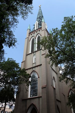 Old Town Trolley Tours of Savannah : Wesley Monumental Methodist Church