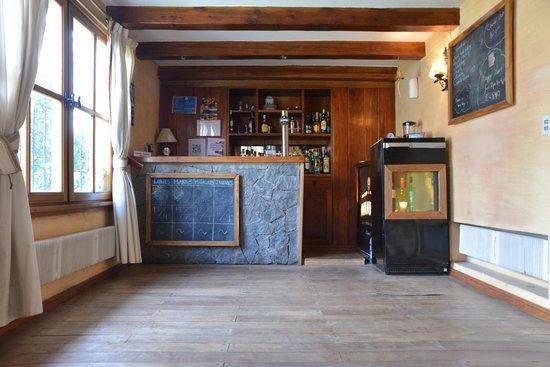 Universal Traveller's Lodge Hostel: The cozy common area