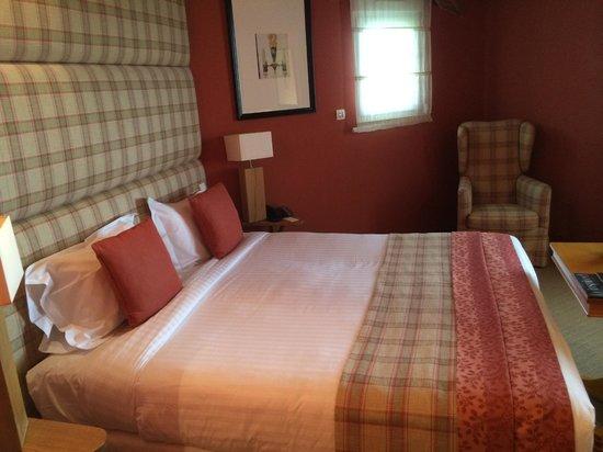 Chateau Grand Barrail: room