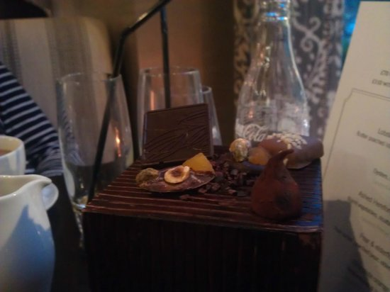 Caxton Grill : Chocolates with tea (you can see the bloom - BAD!!)