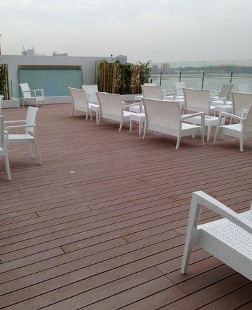 Hotel Presidente Luanda: Lounge terraço