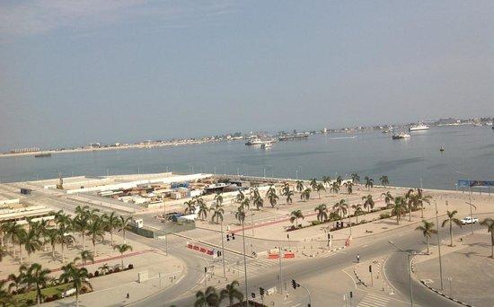 Hotel Presidente Luanda: Vista parcial do porto de Luanda