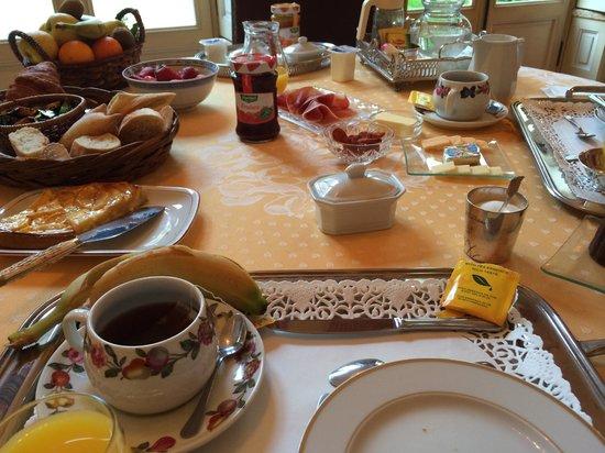 Petit Hotel Labottiere : Breakfast for Two