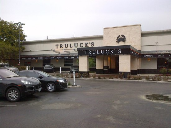 Truluck's Steak & Stone Crab : Front of Truluck's restaurant
