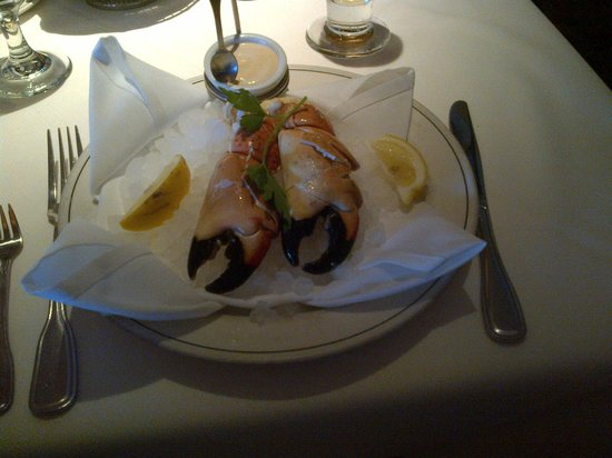 Truluck's Steak & Stone Crab : Stone crab claw appetizer served on ice