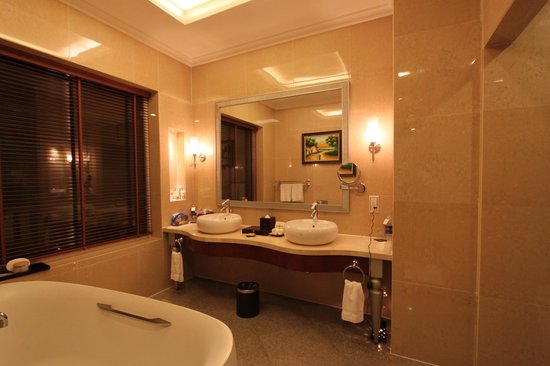 Vinpearl Da Nang Resort & Villas : Bathroom.