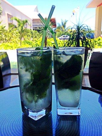 Hotel Playa Cayo Santa Maria : Mojitos at the lobby bar