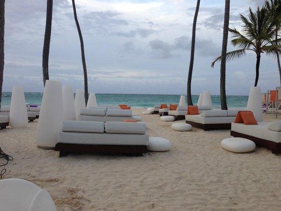 Paradisus Punta Cana Resort: Elegant seating (near Gabi)