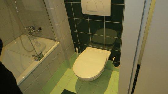 The Star Inn Hotel Graz: Mercure Graz Messe - banheiro