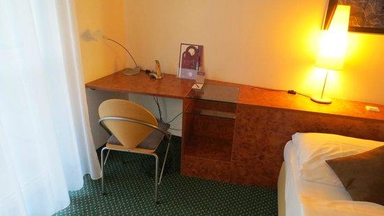 The Star Inn Hotel Graz: Mercure Graz Messe - mesa de trabalho