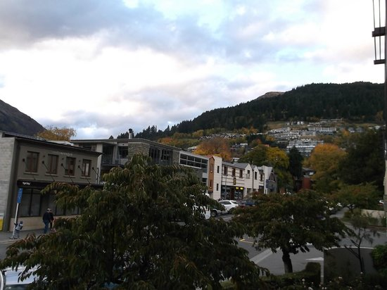 Novotel Queenstown Lakeside: Another view from the balcony