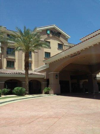 Embassy Suites by Hilton La Quinta Hotel & Spa: Exterior