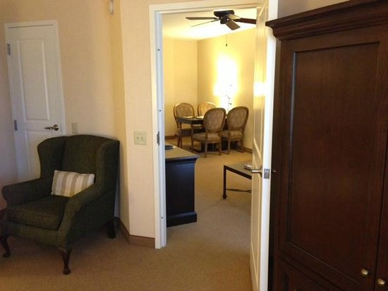 Embassy Suites by Hilton La Quinta Hotel & Spa: Room