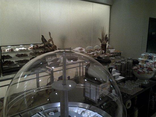 Breakfast buffet - アブダビ、...