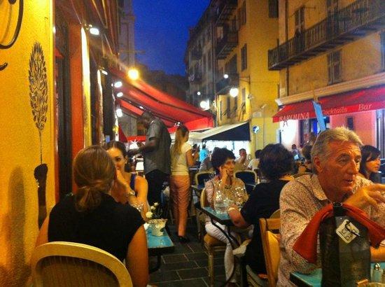 Chez Juliette: Outside