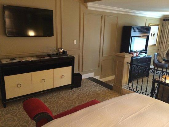 Venetian Resort Hotel Casino : TV in sleeping area