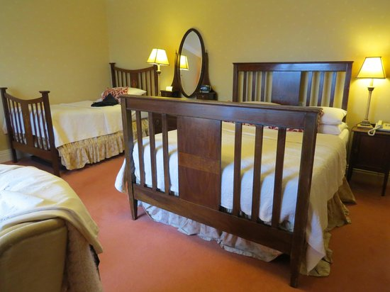 Carrig Country House & Restaurant: superior lake view bedroom