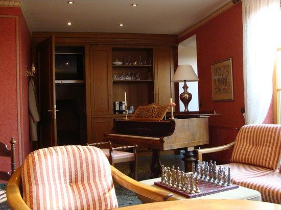 Burghotel : Sala do Piano! Uma delícia de lugar!