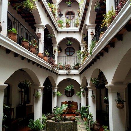 Santo Tomas Hotel: Hotel grounds