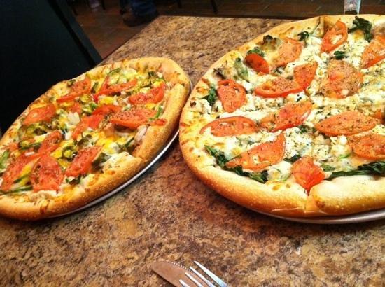 Sidestreet Pizza & Pasta : Fresh Greek and Santa Fe chicken pizzas