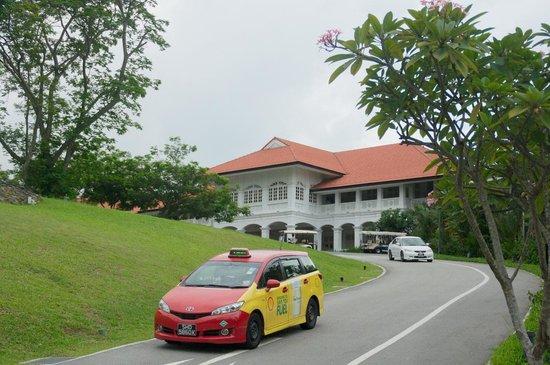 Capella Singapore: ホテル正面